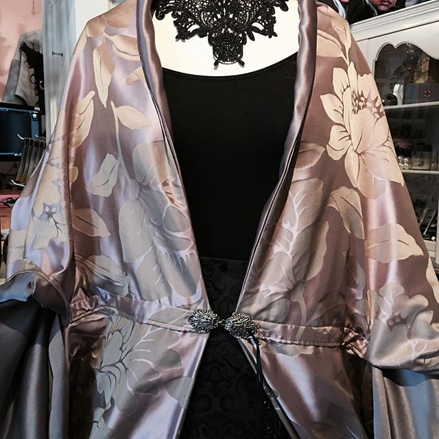 Kimono and choker at Anarchy gallery! , , ,